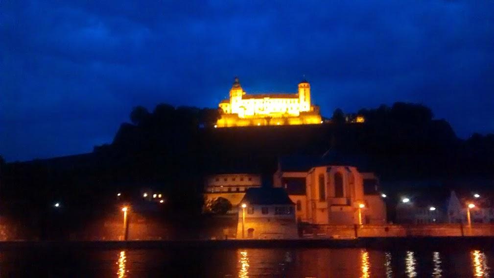 Die Marienburg an einem Juliabend